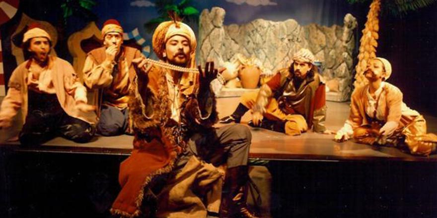 Ali Baba ve Kırk Haramiler sahnede