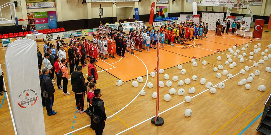 Şehitkamil'de basket aşkı