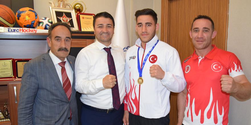 Şampiyondan Demir'e ziyaret
