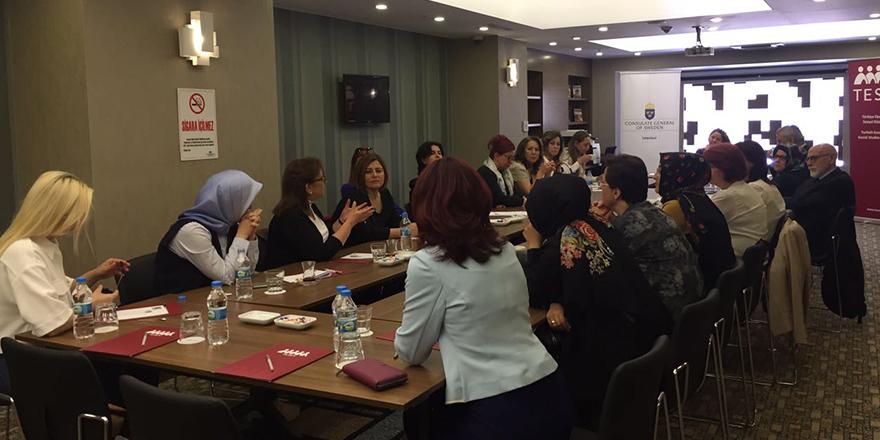 Kadınlar için toplandılar