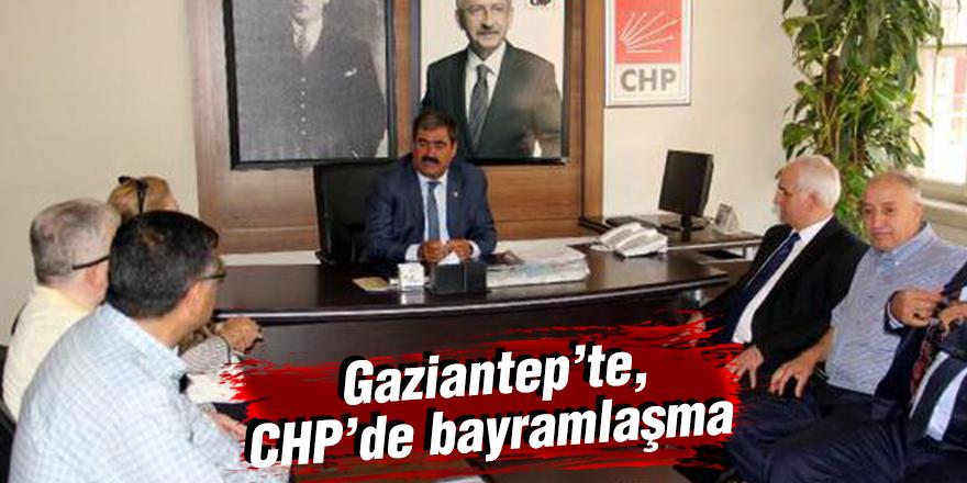 Gaziantep'te, CHP'de bayramlaşma