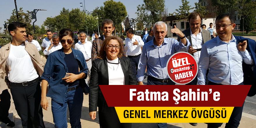 Fatma Şahin'e genel merkez övgüsü