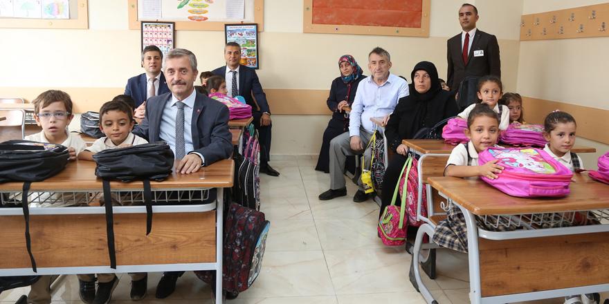 Öğrenciler Şahinbey ile güldü