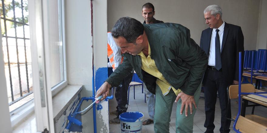 Okullar boyanıyor