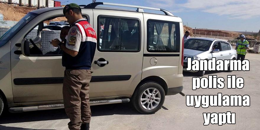Jandarma polis ile uygulama yaptı