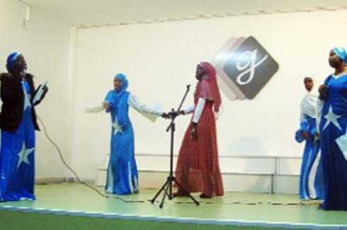 Somalili öğrenciler mutlu