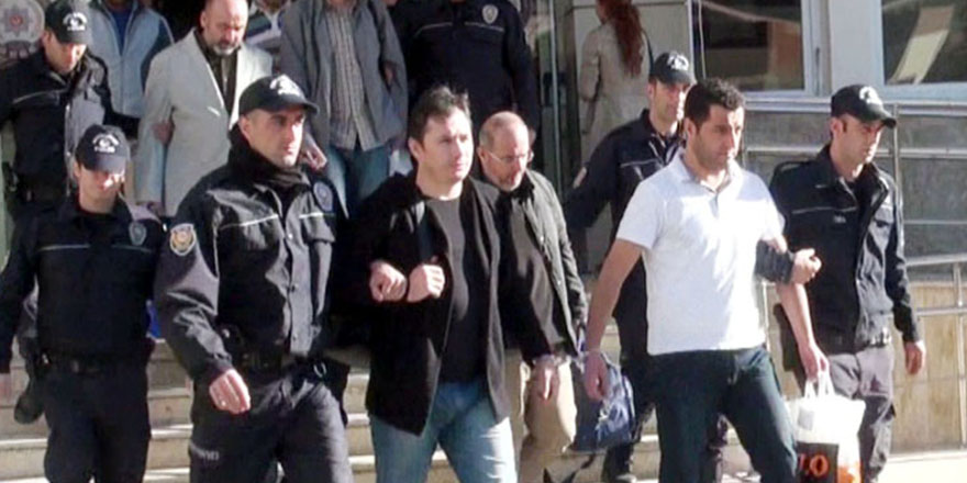 Müdür ve öğretmenlerine operasyon: 11 gözaltı