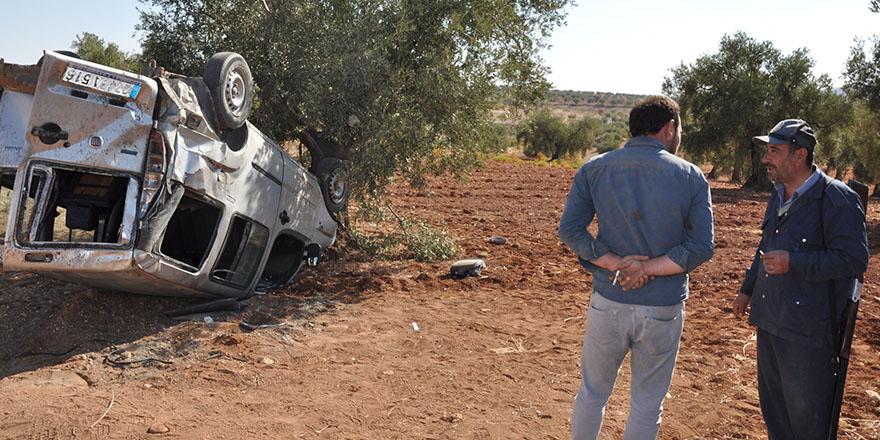 Ticari araç devrildi: 1 ölü, 1 yaralı