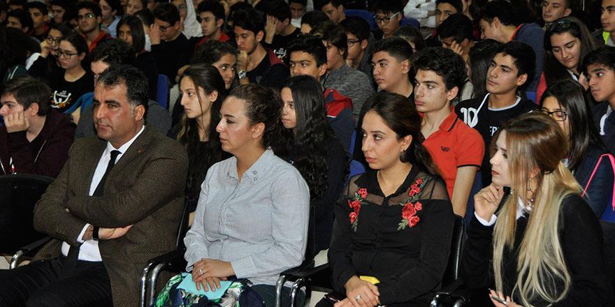 Atatürk'ü anma söyleşisi büyük ilgi gördü