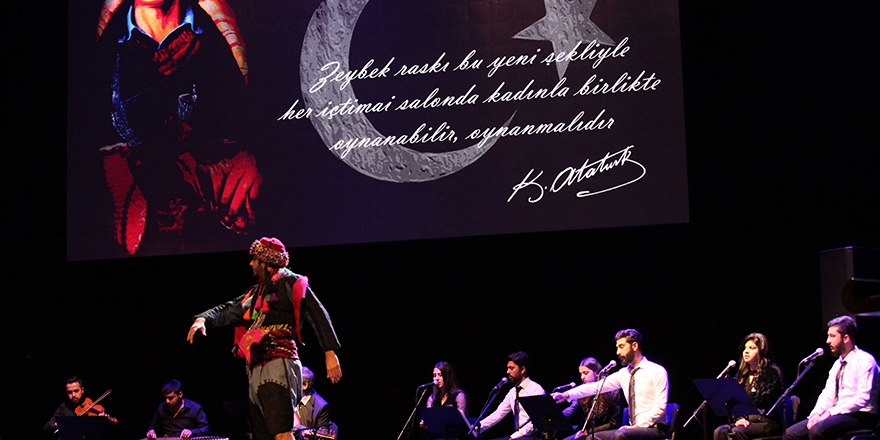 Atatürk'ün sevdiği şarkıları seslendirildi