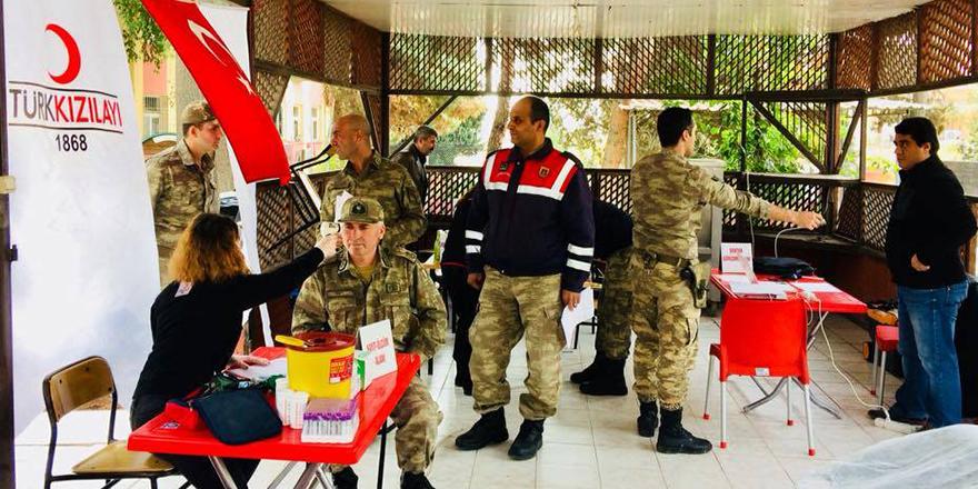 Askerler'den kan bağışı