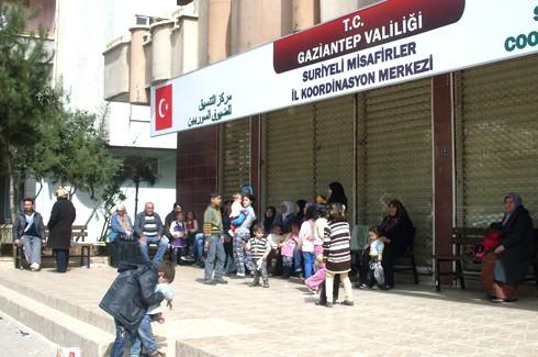 Suriyeli'ler bize yük değil