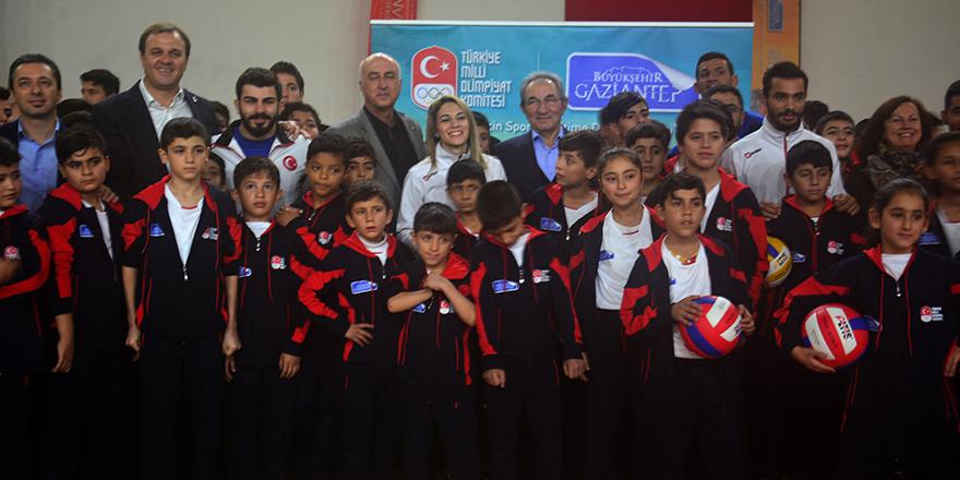 Olimpik sporcular Suriyeli