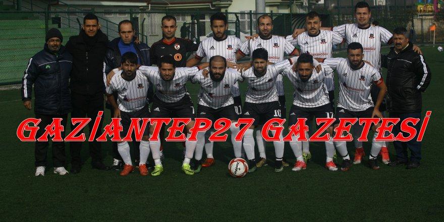 ESEN ZİRVEYE KOŞUYOR 3 - 0