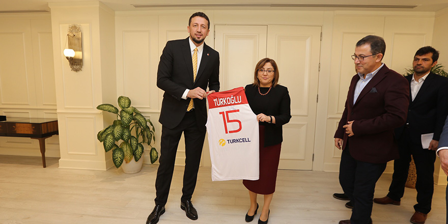 Şahin, Türkoğlu'nu ağırladı