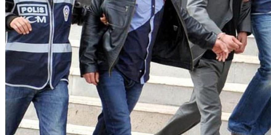 Öğretmen FETÖ'den tutuklandı