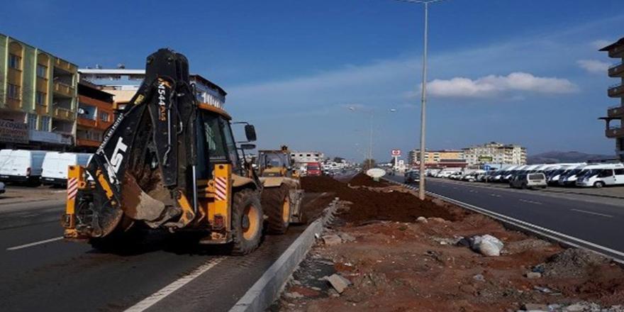 Nurdağı Belediyesi refüj çalışmalarını sürdürüyor