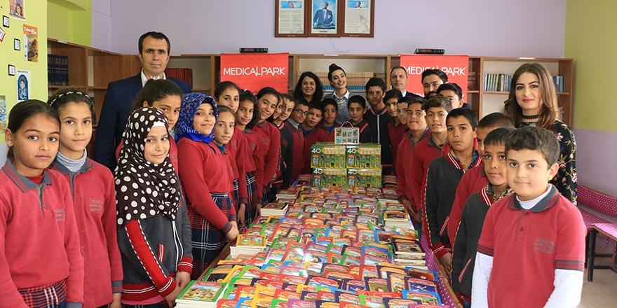Köy okuluna kitap desteği