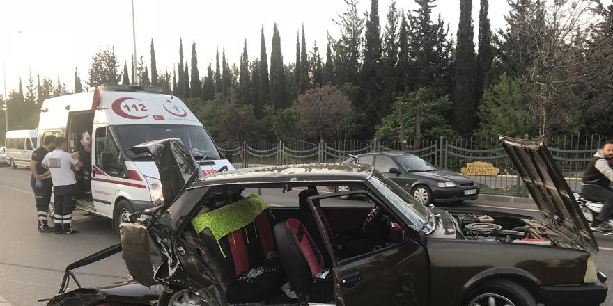 Trafik kazası: 1 ölü, 14 yaralı