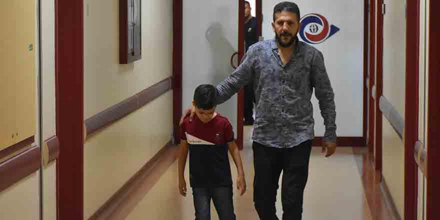 """Suriyeli küçük Abdulmuin'e """"umut ışığı"""""""