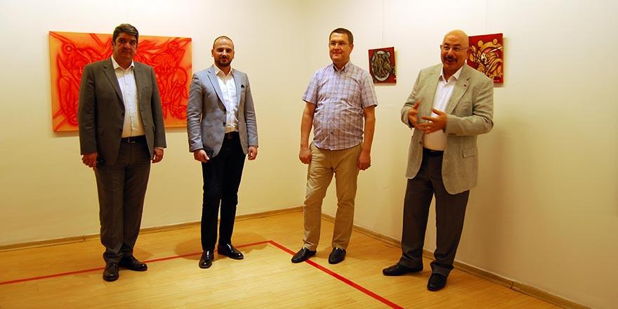 Dokusal Soyutlamar II sergisi açıldı