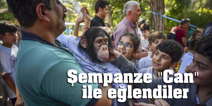 """Şempanze """"Can"""" çocuklarla buluştu"""