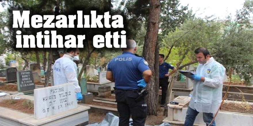 Mezarlıkta intihar etti