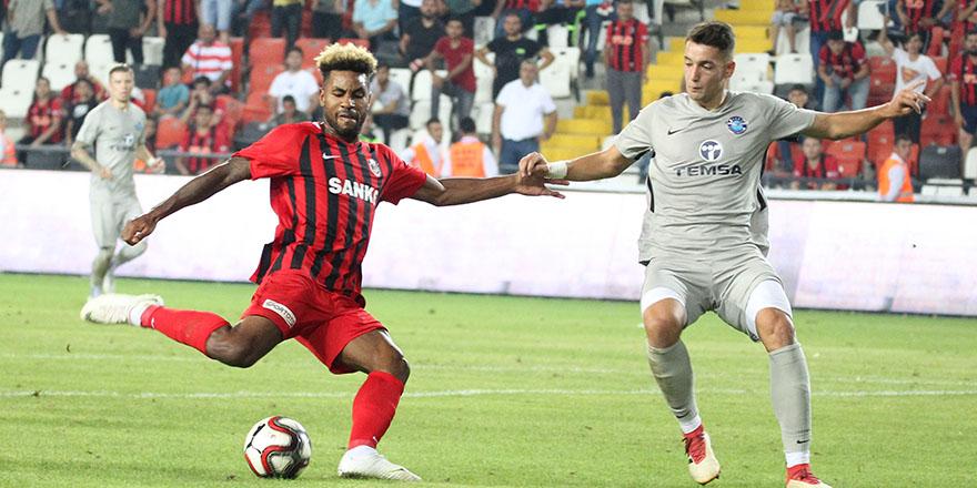 Adana Demirspor ile oynuyorlar
