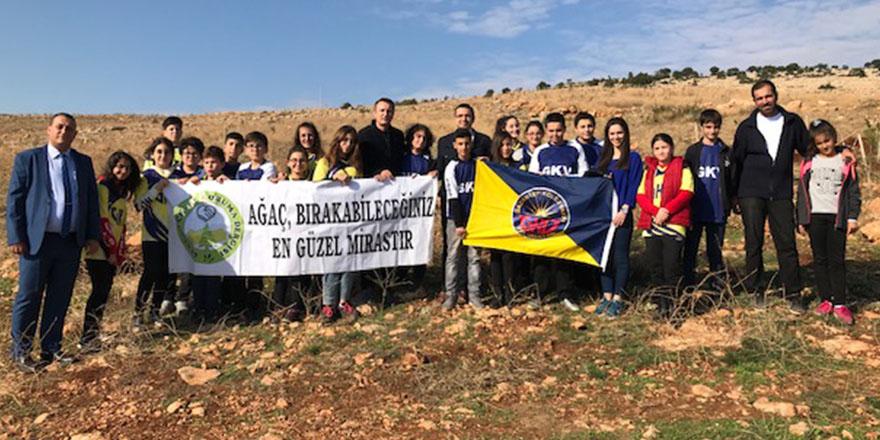 GKV'li öğrenciler Yavuzeli'ne fidan dikti