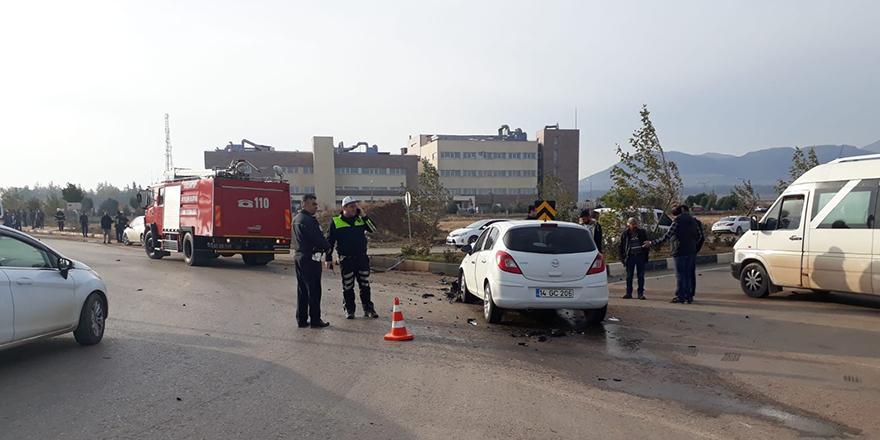 Yolcu minibüsü kaza yaptı