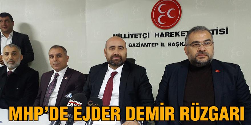 MHP'de Ejder Demir rüzgarı