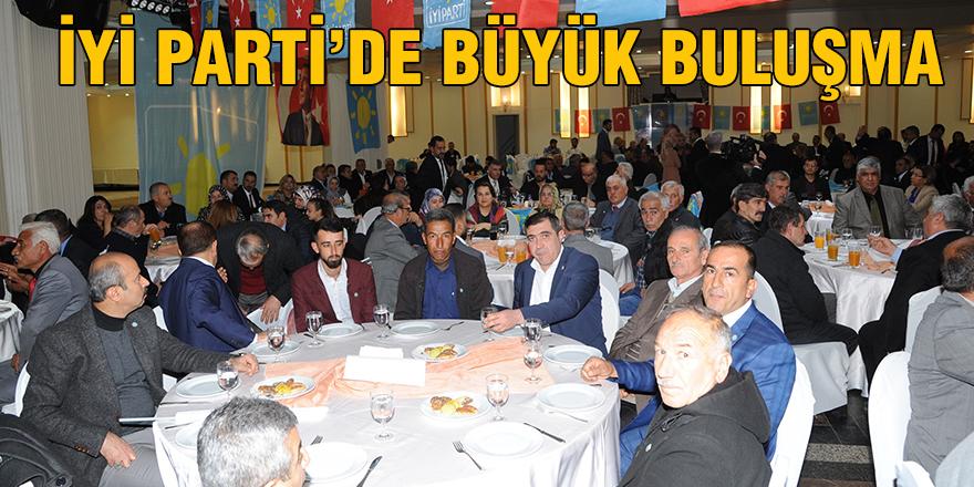 İYİ Parti'de büyük buluşma