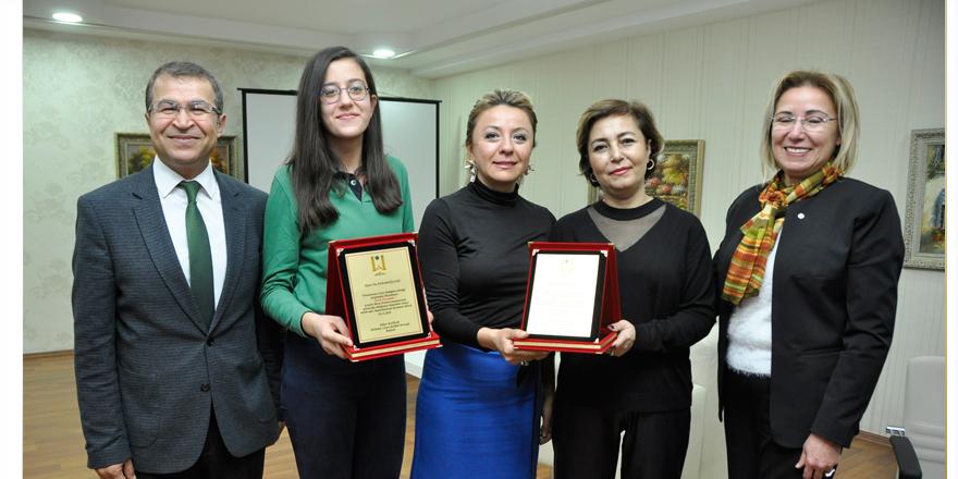 Naz'a uluslararası resim ödülü
