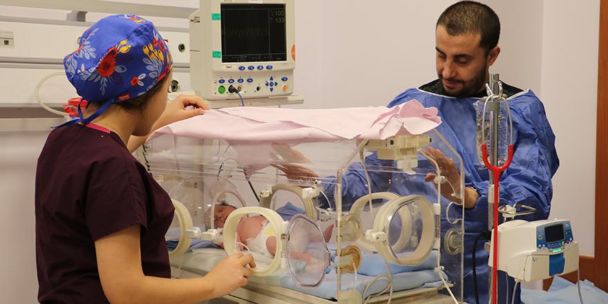 Yılın ilk üçüzleri Gaziantep'te dünyaya geldi