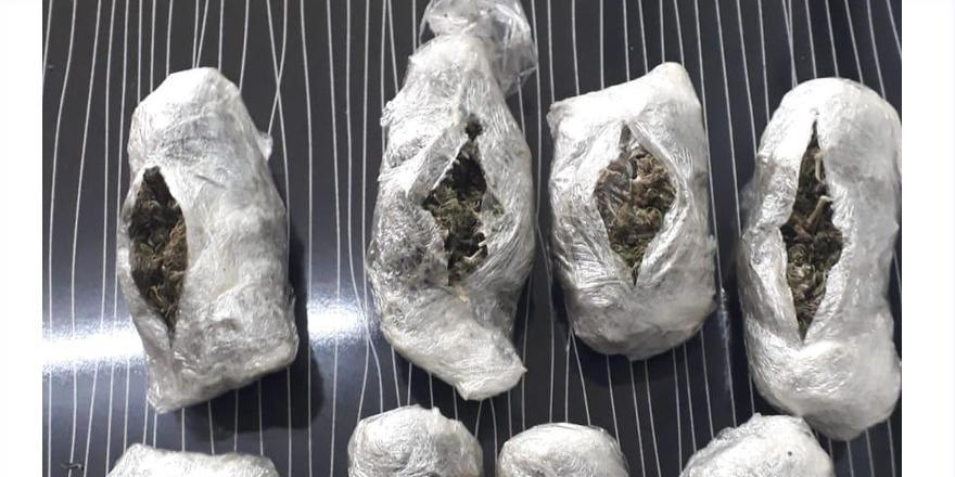 Uyuşturucu tacirlerine gözaltı