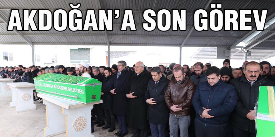 Akdoğan'a son görev