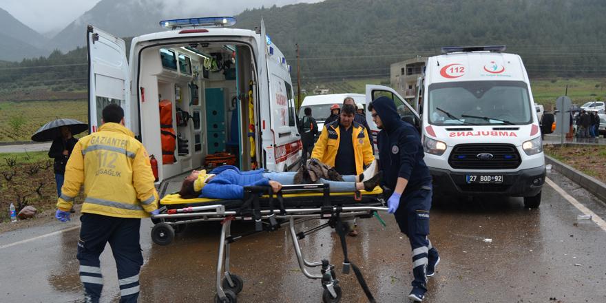 Trafik kazası: 4 ölü, 12 yaralı