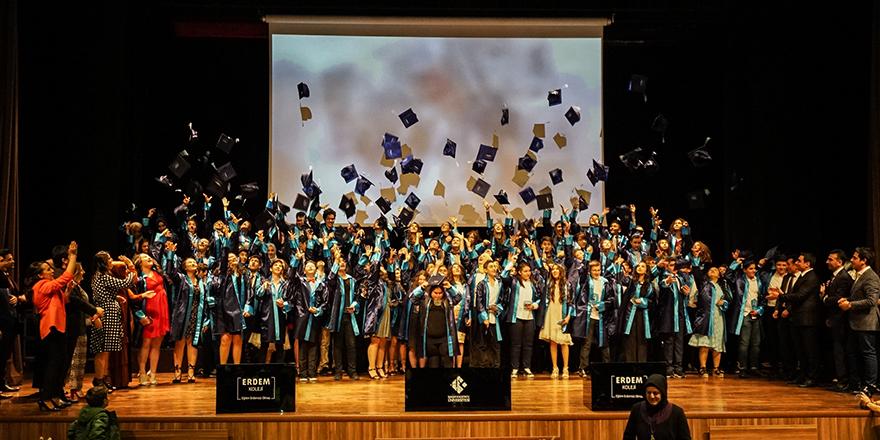 Erdem'de mezuniyet günü