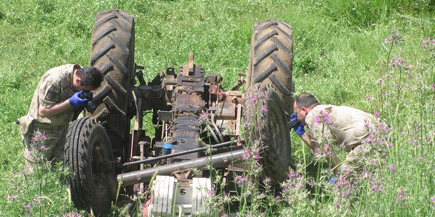 Traktörün sürücüsü kurtarılamadı