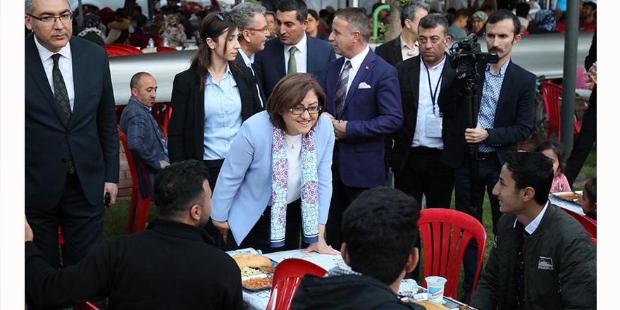 Büyükşehir'den 6 noktada iftar