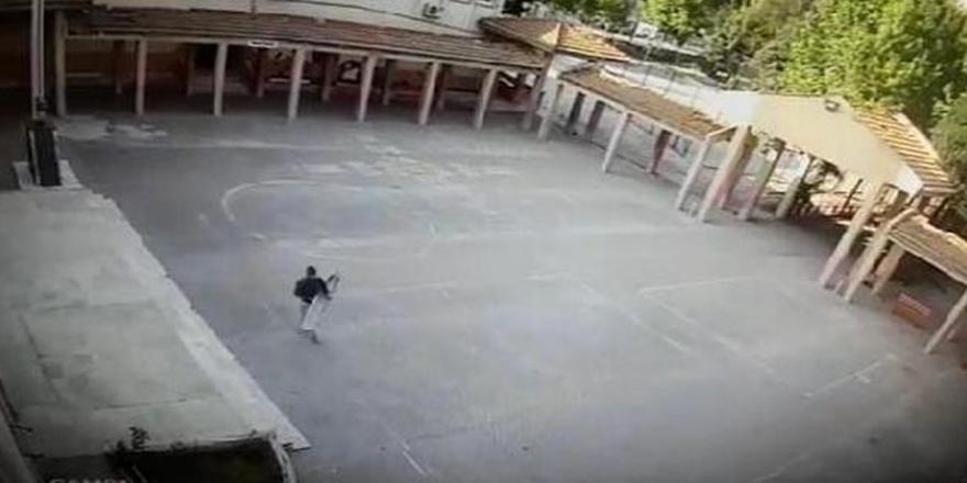 Okulun çatı malzemesini çalmışlar
