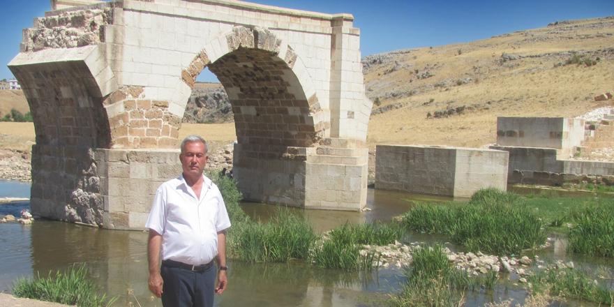 Tarihi köprü çevresine piknik alanı talebi