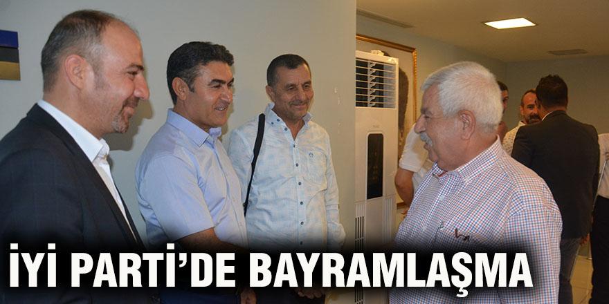 İYİ PARTİ'DE BAYRAMLAŞMA