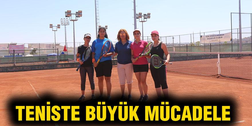 Teniste büyük mücadele
