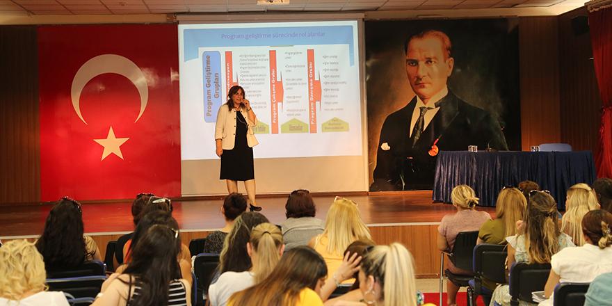 Kolej'de eğitim semineri