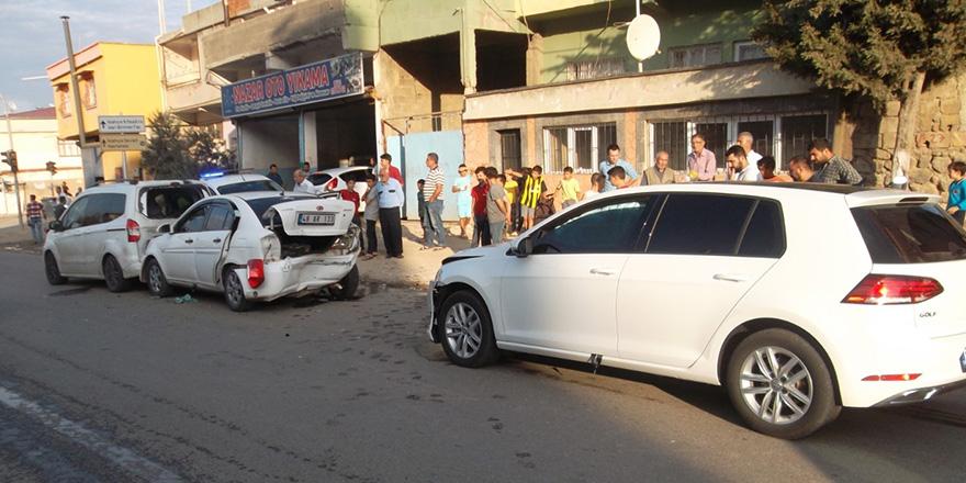 Zincirleme kaza 2 yaralı
