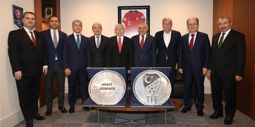 Büyükekşi'den TFF Başkanı Özdemir'e ziyaret