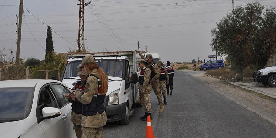 Jandarma ekiplerinden trafik uygulaması