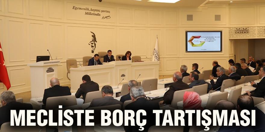 Mecliste borç tartışması