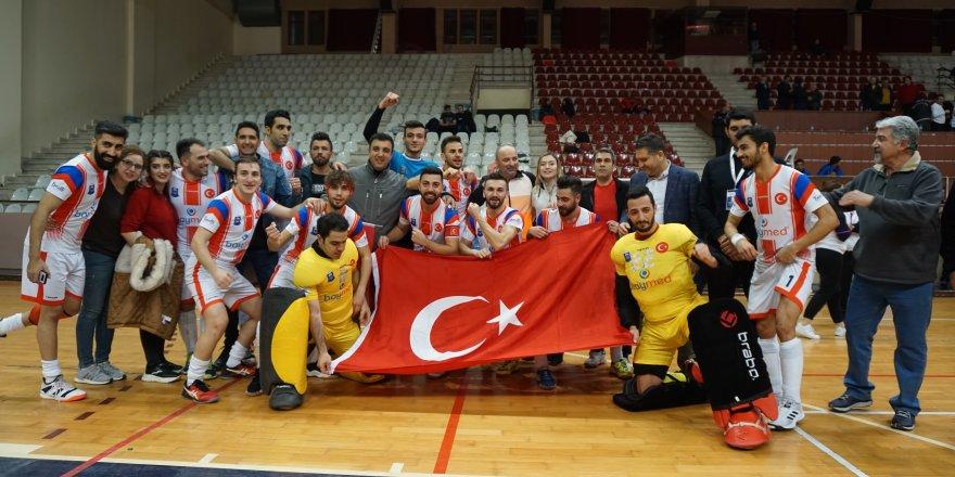Polisgücü'nün şampiyonluğuna bir adım kaldı 8 - 5